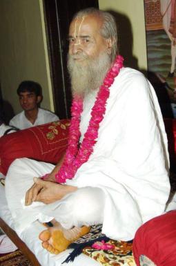Jagadguru nimbarkacharya radhasarveshwar sharan sriji maharaj